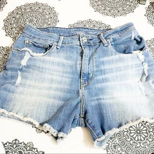 High rise Levi's size 10